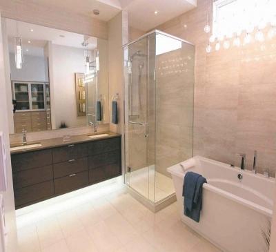 Vách tắm kính trang trí phòng tắm tại quận 4, quận 5, quận 6 TPHCM