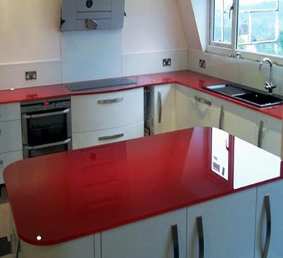 Lắp đặt kính màu ốp bếp tại các quận trong TPHCM