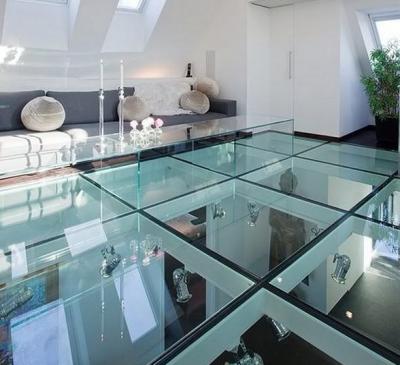 Sàn kính cường lực giếng trời trong nhà